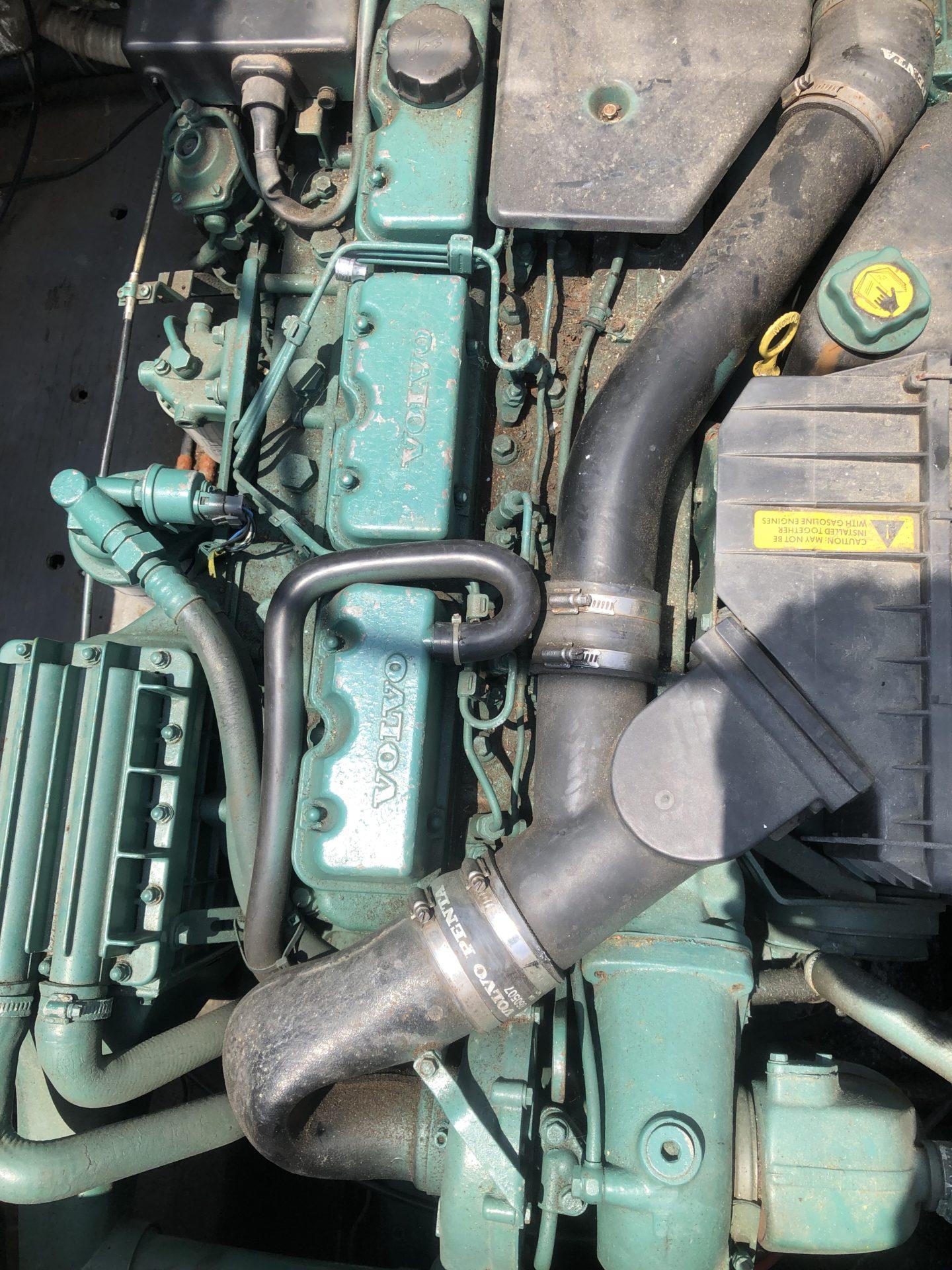 Volvopenta KAMD42A エンジン整備-1
