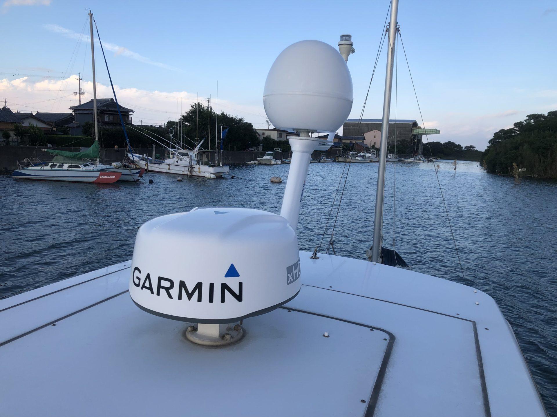 ヤマハFR32 BSアンテナ・VHF・AIS取付 1